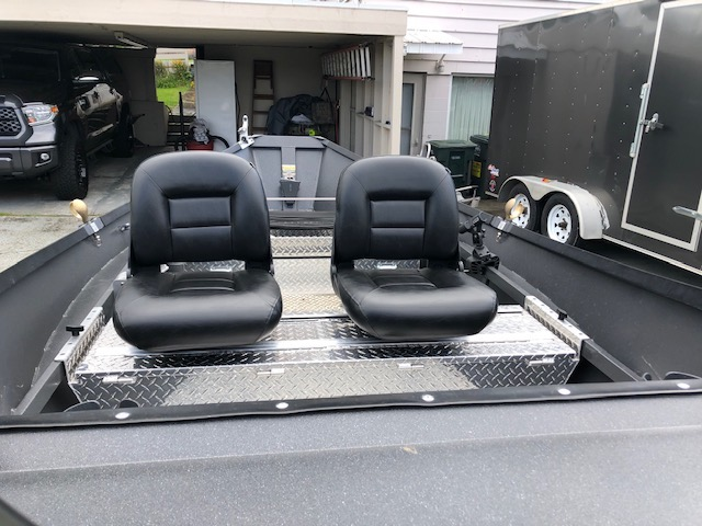 Dirft boat front seats